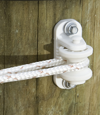 ELECTRIC FENCE INSULATORS AND ACCESSORIES | EFD | ELECTRIC